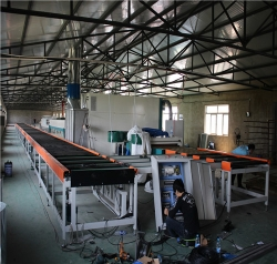 胶南客户自动喷漆机生产线